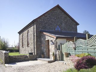 The Old Chapel, Detached And Tastefully Converted With Country Views
