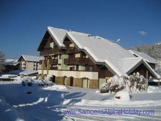 Samoens apartment, sleeps 4-6 within village. Free Wi-Fi