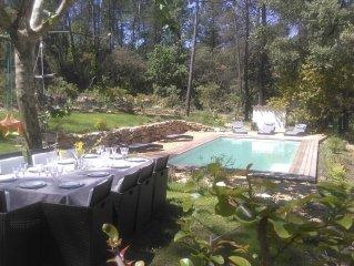 Villa entre vigne et foret, piscine chauffee, au calme et a l'abri des regards.