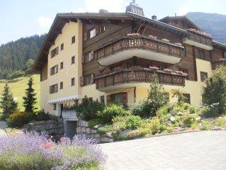 2-bedroom apartment, ideal for skiing, golf, hiking and biking, sleeps 5