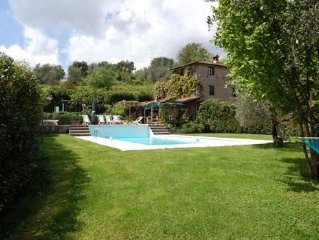 Charming Tuscan farmhouse with cascading pool, 15 min from Lucca