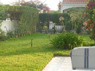 Casa com jardim a 200 m da praia