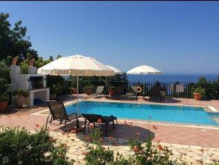Beautiful Holiday Villa '- In Kefalonia (Lourdas)  FREE WIFI