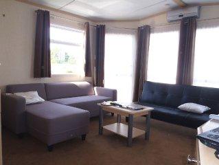 Mobil-home  type 'cottage' tres fonctionnel, spacieux et lumineux (8 couchages).