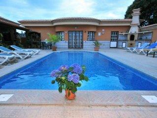 Villa Flora-Tere. Gran casa con esplendida piscina y solarium.