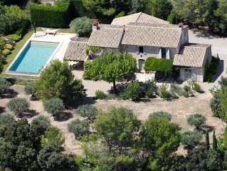 Luxury Provence Villa Rental - A/C, Heated Pool, Short walk to village, WiFi