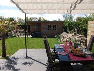 Luxe moderne bungalow vlakbij duinen en strand. Gratis WIFI.