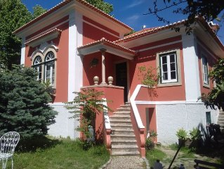 Centenary Cottage in Carcavelos, with 7 bedrooms and Garden. Enjoy the beach, L