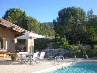 Maison accueillante avec grand jardin arbore, piscine  chauffee, sans vis a vis