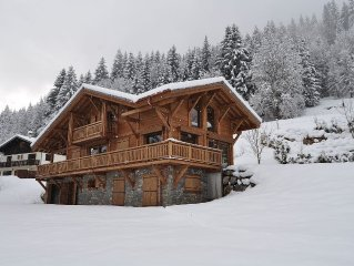 Beautiful, luxury self-catered chalet, newly built, outdoor hot tub, great views