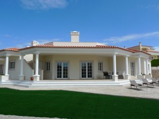 Beautiful 4 Bed Villa with private pool and sea views