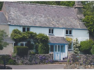 Delighful family owned, grade II listed cottage, 3 bedrooms - sleeps 7