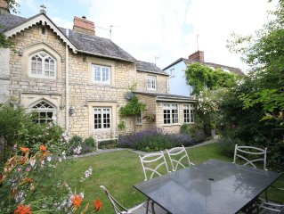 Pretty Victorian cottage within walking distance of Cirencester town centre