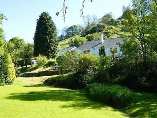 Apr 1-8 available! Luxurious Tranquil Retreat, Huge Garden & River, Nr Beaches
