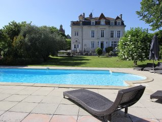 Beautiful Village Chateau near Bordeaux, Heated Pool, Hot Tub, Sleeps 22
