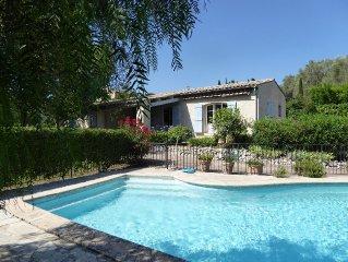 Grande villa lumineuse avec piscine et jardin 15 min des plages