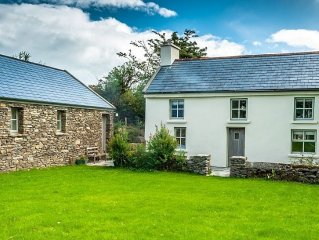 Rustic Holiday Cottage To Rent In The Hills Of Bantry Bay