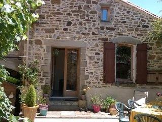 Maison ceour de village paisible