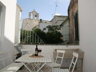 Stylish Art Deco holiday home in historical Baroque old town palazzo, Puglia