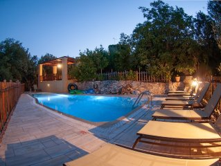 Private villa with private pool and amazing view in an unspoilt environment