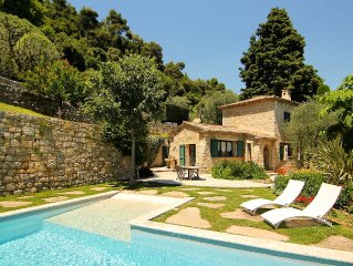 Provençal Villa Set in Peaceful Olive Grove with Panoramic View