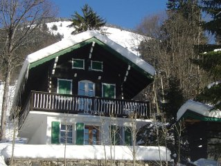 Cosy & comfortable 4/5 person chalet, 200 metres from Chatel centre