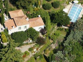 Provence Villa, pool & summer kitchen, Flayosc, between Lorgues & Draguignan