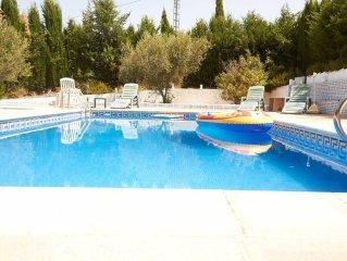 Villa de lujo con piscina privada, ideal para familias con niños. Rafting,