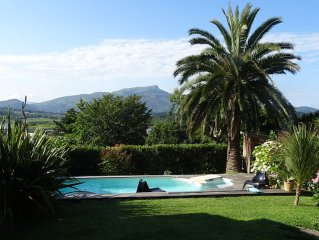 Charming house with garden, stunning views Nivelle Rhune
