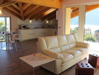 Appartamento di nuova costruzione con stupenda vista sul Lago di Como!