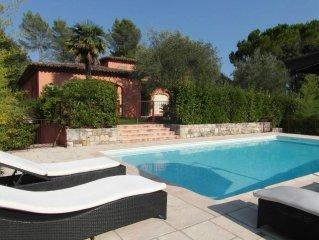 Très Belle villa provençale au calme avec piscine et jardin méditerranéen