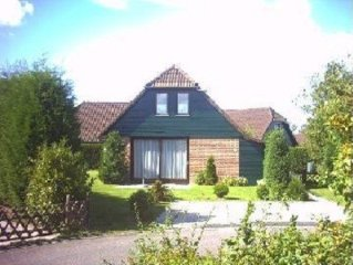 Fully furnished detached holiday home within walking distance of Lake Veere