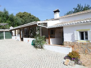 Fully refurbished farmhouse in an idyllic, hillside location just outside Estoi