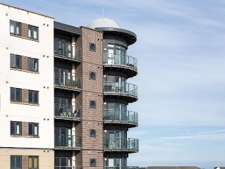 Amazing sea view 2 bed 2 bath Apartment in Newquay,Cornwall with secure parking