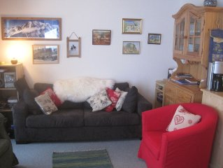 Sunny Apartment For 6 in Petit Chatel with WiFi