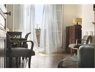 Beautiful Haussmann apartment near the Champ de Mars