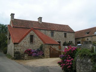 St Vaast - stunning sea views - sandy beaches - families and pets - DDay Sites