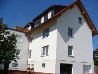4-star apartment on the top floor with stunning views into Wesetal.