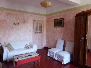 Appartement 4 pieces tres spacieux lumineux plein coeur de Castellane, Provence