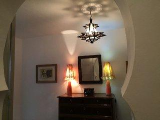 Maison traditionnelle renovee, confort, terrasses plein sud, vues, soleil, calme