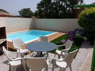 Agreable maison dans un joli village viticole Pezenas/Nizas avec piscine