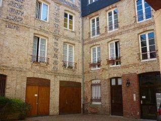 Situé entre plage et port, appartement calme de 60m² refait à neuf-4/5 pers-