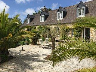 4 chambres, 200m2, 5km de la mer, terrasse sud 360m2, parc, jacuzzi, 3 etoiles