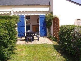 Morbihan  maison avec jardin clos sur petit port de caractere