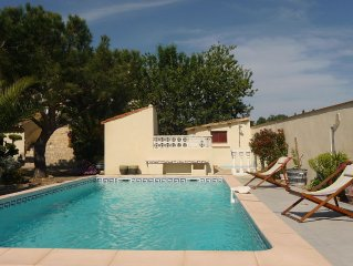 Appartement dans villa, avec piscine, jardin, parking, mer a 4km