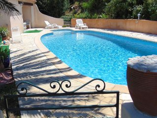 Villa 2 levels, private pool, sea view, 200m from the beach, Cap Roux Antheor