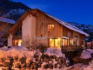 Straw house 5 minutes from Briancon, 15 persons, 3 stars, comfortable