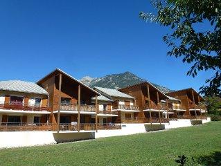 Appartement neuf, proche des stations de Ski, plein sud, belle vue sur Risoul.