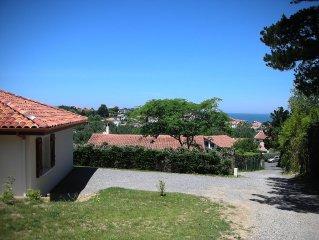 Maison neuve avec vue sur l'océan. 700m de la plage. 4 personnes.