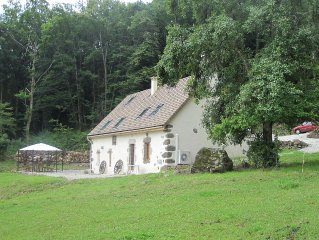 House, charming cottage in the Cantal